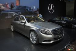 Mercedes-Maybach presented the 2016 Mercedes-Maybach S600 at the 2014 Los Angeles auto show and we have a picture gallery.