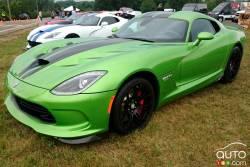2016 Dodge Viper front 3/4 view