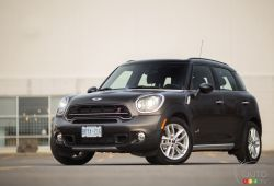 The 2015 MINI Cooper S Countryman All4 is the just-updated version of the brand's miniature crossover, featuring subtle styling tweaks and more fun to drive.