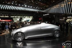 La Mercedes-Benz F 015 Luxury in Motion study 2015 a été dévoilée aux membres des médias dans le cadre du salon de l'auto de Détroit 2015 et Auto123.TV était sur places pour capter des images de cette voiture concept.