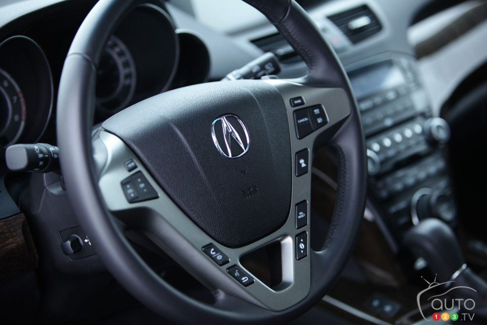 Steering wheel with controls