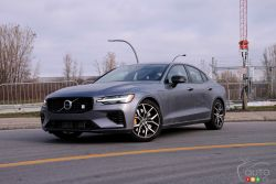 We drive the 2020 Volvo S60 T8