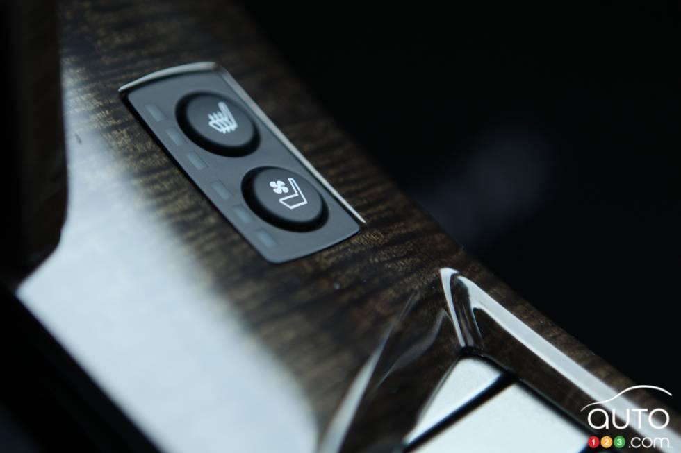 Seats controls