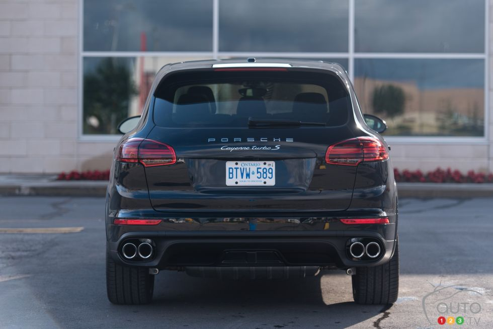 2016 Pporsche Cayenne Turbo S Pictures On Auto123