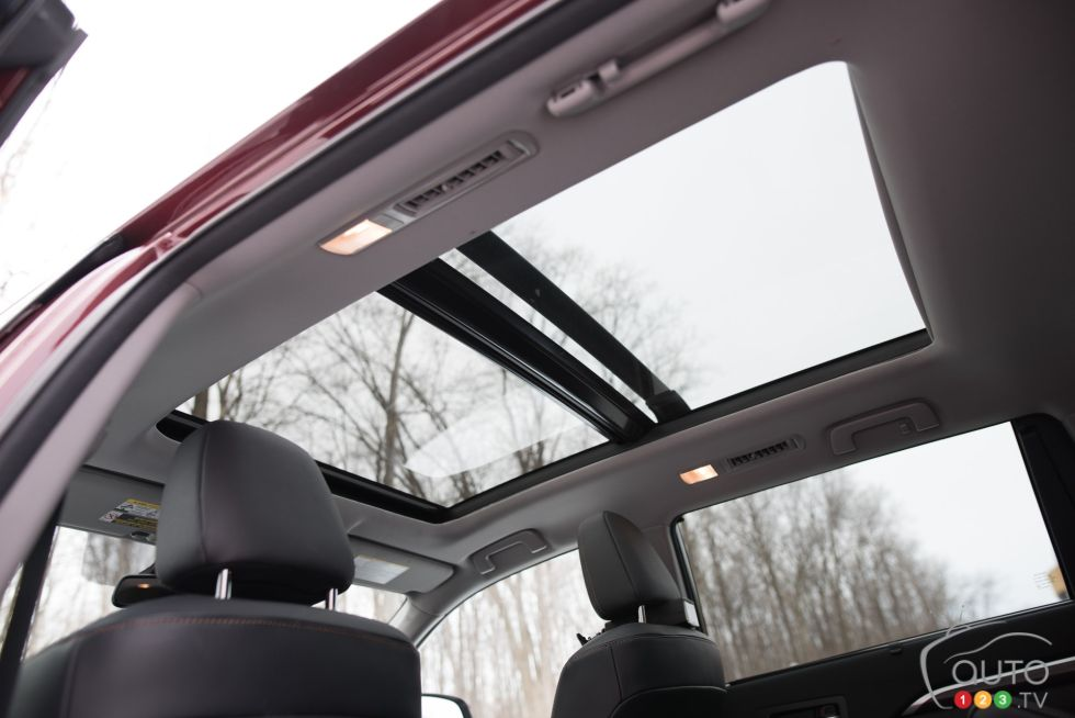 2016 Toyota Highlander Hybrid Panoramic Sunroof