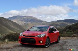 The 2014 Forte Koup is the 2-door variant of the compact Forte sedan. The Forte Koup made its first appearance in early 2008 right around the time the then-new Focus Coupe arrived, hoping to also compete with the mighty and popular Honda Civic Coupe.