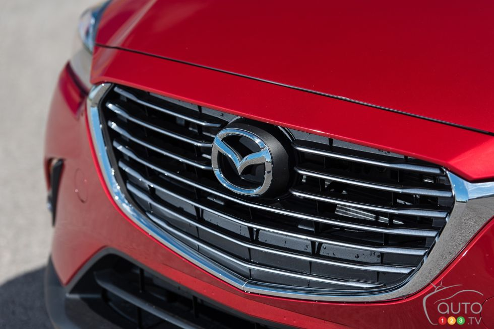 2016 Mazda CX-3 GT front grill
