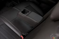 Rear centre console with storage