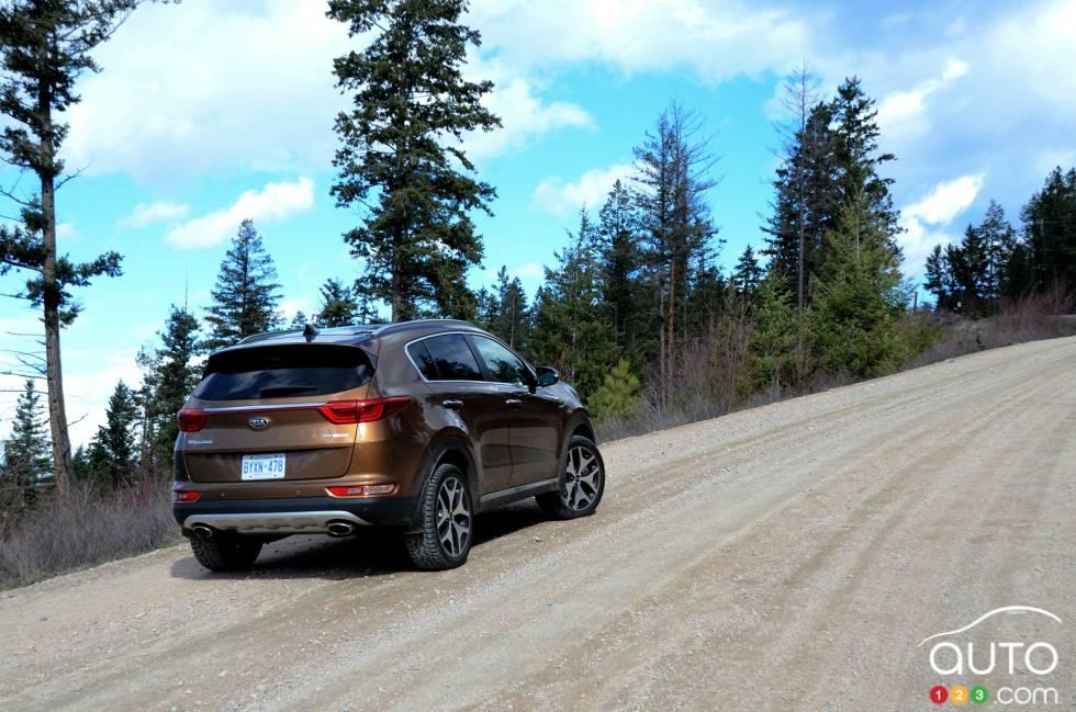 2017 Kia Sportage rear 3/4 view