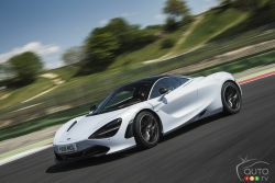 The all-new McLaren 720S is debuting in North America. This one's a real stunner.