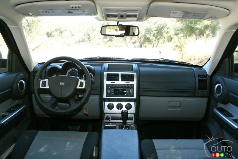 dodge nitro 2007 photo 15 de 18 auto123. Black Bedroom Furniture Sets. Home Design Ideas