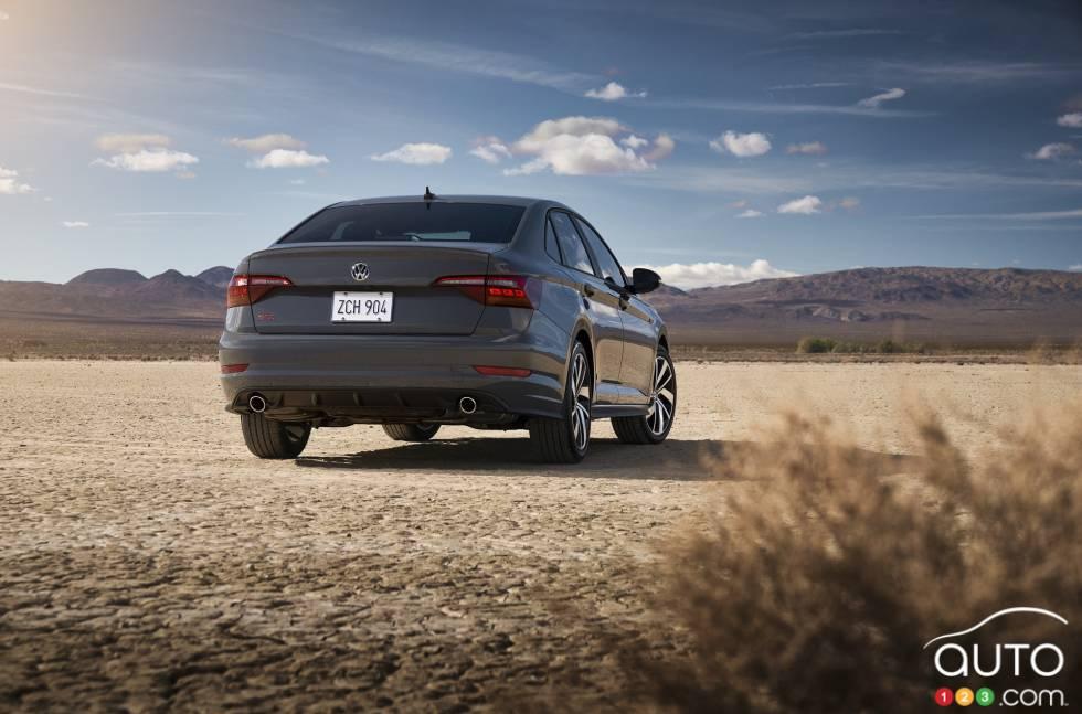 2019 Volkswagen Jetta GLI debuts at the Chicago Auto Show: Rear view
