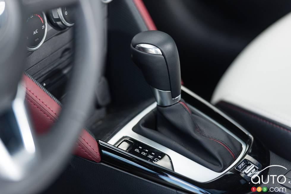 2016 Mazda CX-3 GT Shift knob