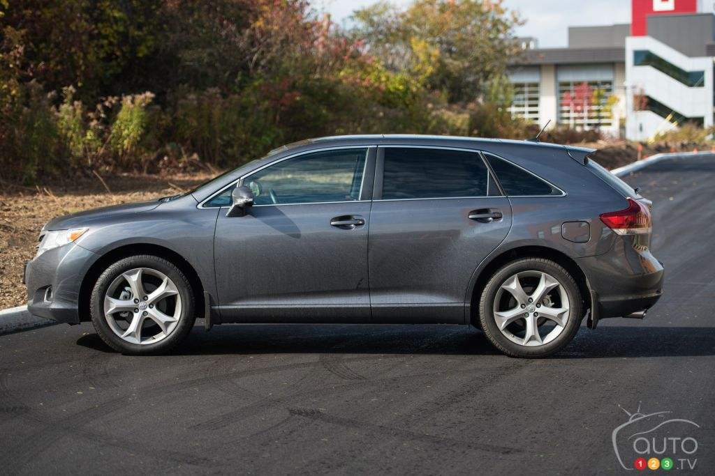 Latest Venza 2016 >> 2016 Toyota Venza V6 AWD XLE Redwood Edition review | Car Reviews | Auto123