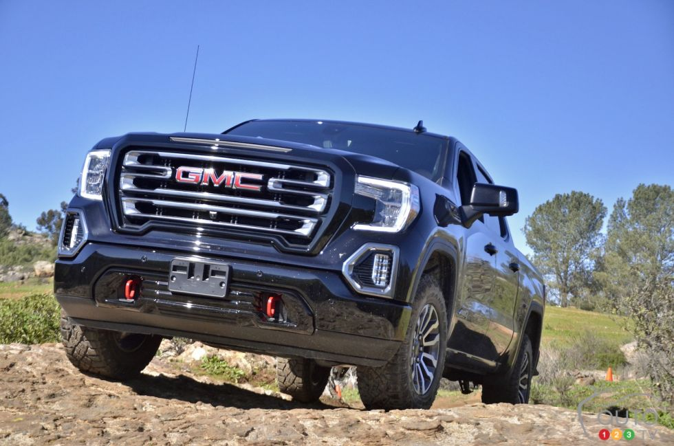 Introducing the new 2019 GMC Sierra AT4