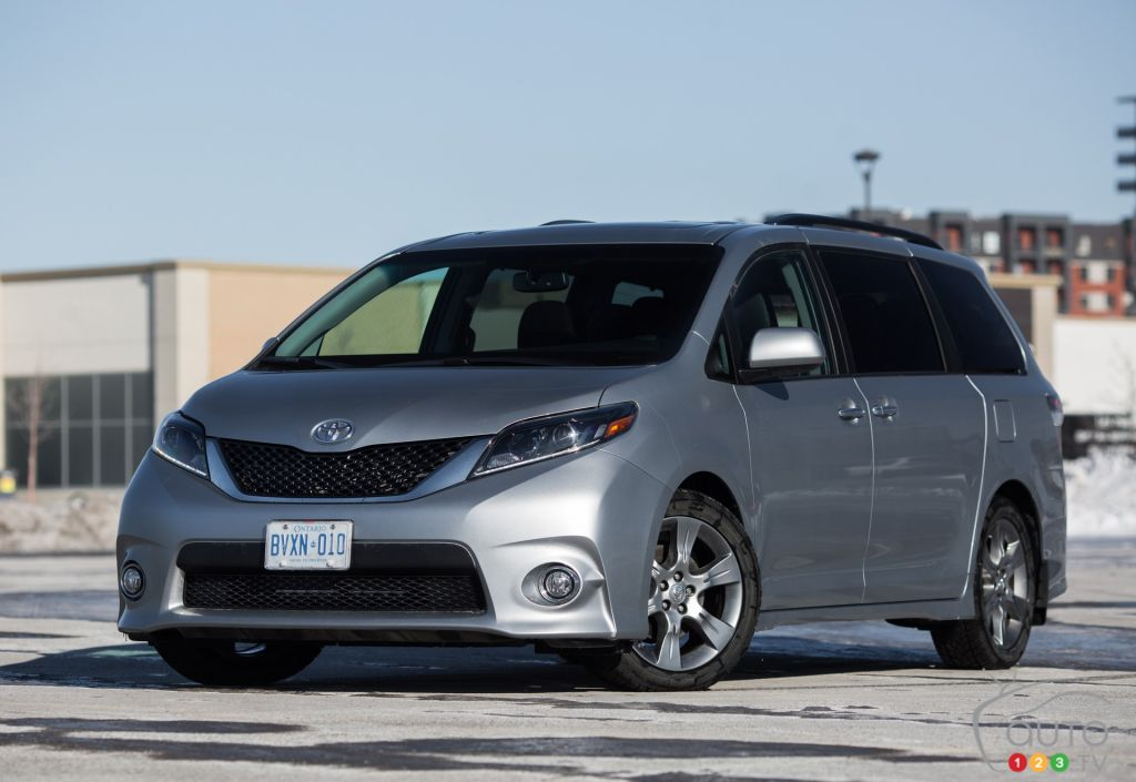 2015 Toyota Sienna Se Review Editor S Review Car Reviews
