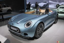 Mini presented the 2014 MINI Superleggera Vision at the 2014 Los Angeles auto show and we have a picture gallery.
