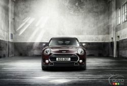 After a brief departure of the MINI Clubman from the MINI lineup in 2014, an all-new 3rd-generation MINI Clubman is poised to join the MINI family early in 2016. Following in the footsteps of the successful 2nd-generation premium sub-compact Clubman, the new MINI Clubman grows in size, entering the Premium Compact segment with increased versatility and product substance and exterior and interior dimensions significantly more generous than its predecessor.