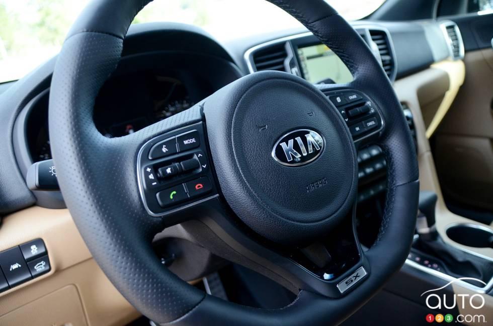 2017 Kia Sportage steering wheel