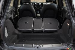 rear seats' configurations