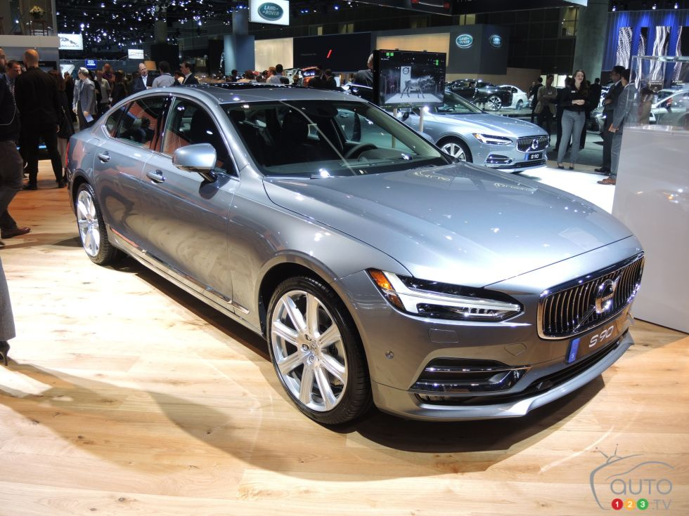 Discover some 2017 models !: 2017 Volvo S90 front 3/4 view