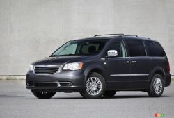 The 2015 Chrysler Town & Country is arguably the ultimate family vehicle. With numerous configurations available, tons of interior room for your passengers and cargo, and a perfectly matched engine/transmission combo, it's one the most versatile and flexible people haulers in Canada.