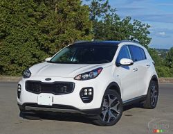2017 Kia Sportage SX, the top line model punches way above its weight.