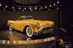 Discover the 1954 Oldsmobile F-88 concept