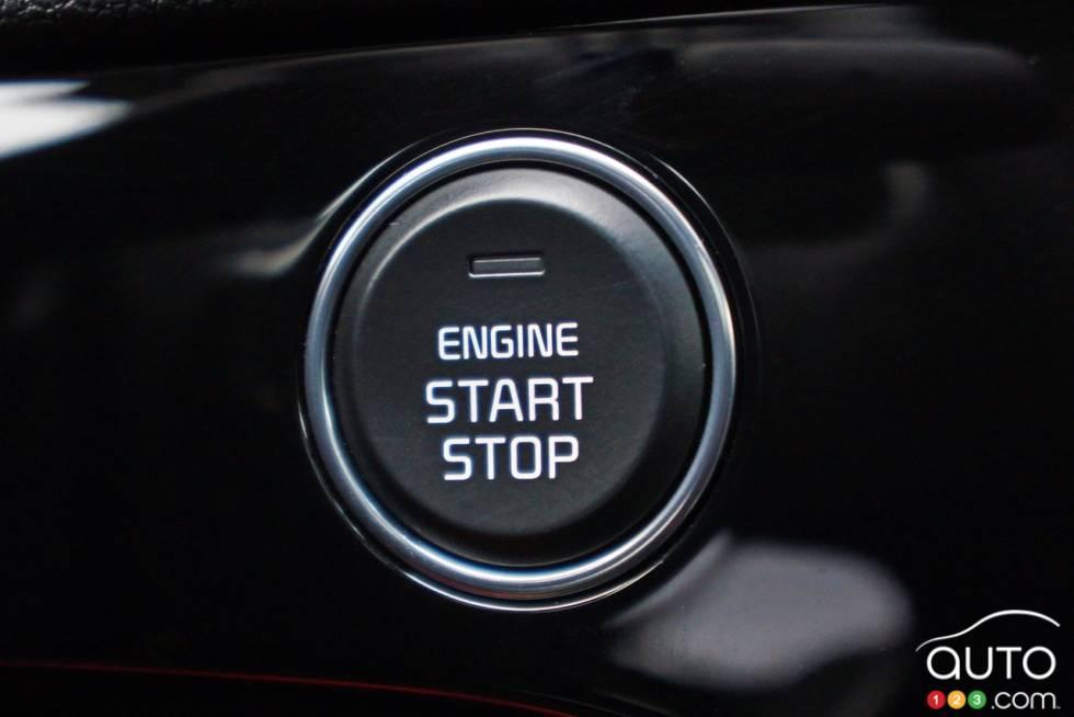 2017 Kia Sportage start and stop engine button