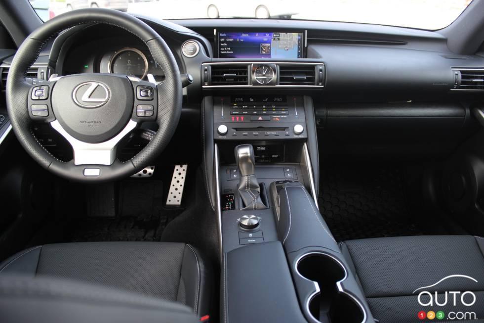 Nous conduisons la nouvelle Lexus IS 350 2019