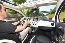 2016 Fiat 500 cockpit