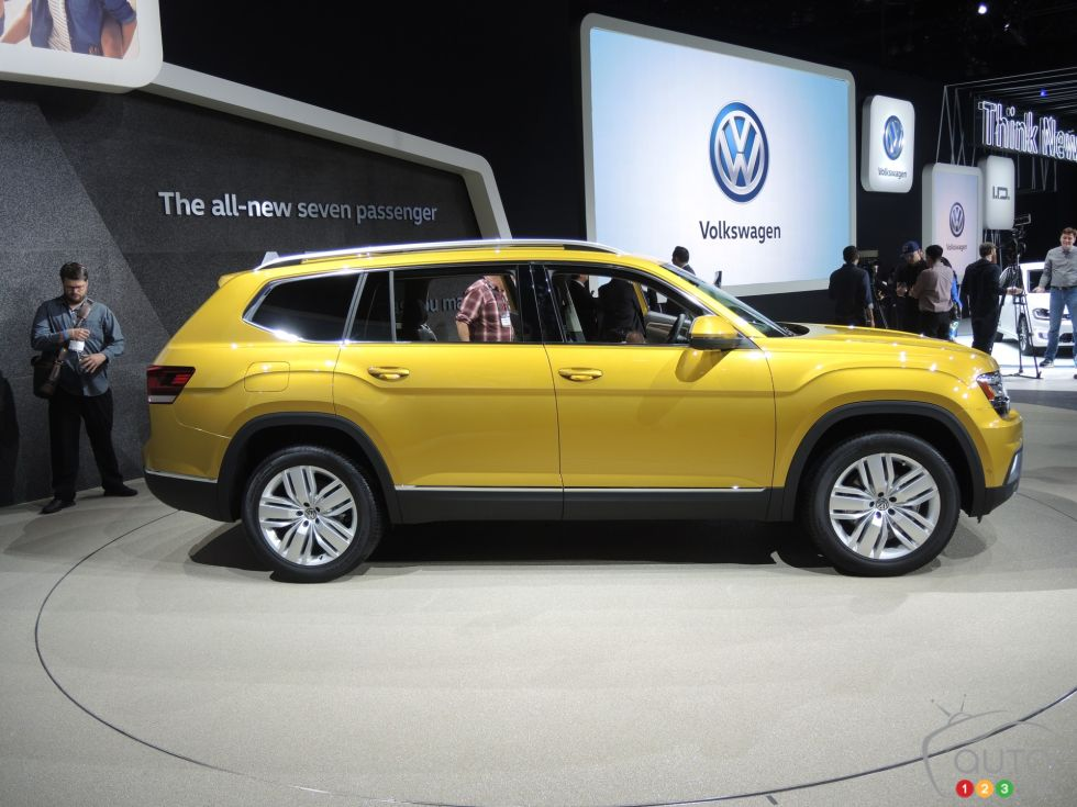 Discover some 2017 models !: 2017 Volkswagen Atlas side view