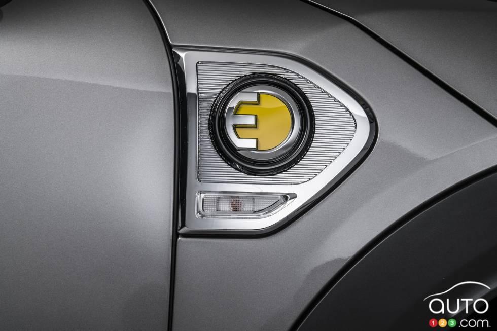 2017 MINI Cooper S E Countryman ALL4 trim badge