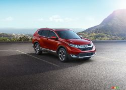 Honda is hitting the fast lane in order to remain atop compact SUV sales. The Japanese automaker surprised many of us yesterday with the unveiling of the all-new, fifth-generation 2017 Honda CR-V.