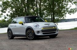 We drive the 2021 Mini Cooper SE