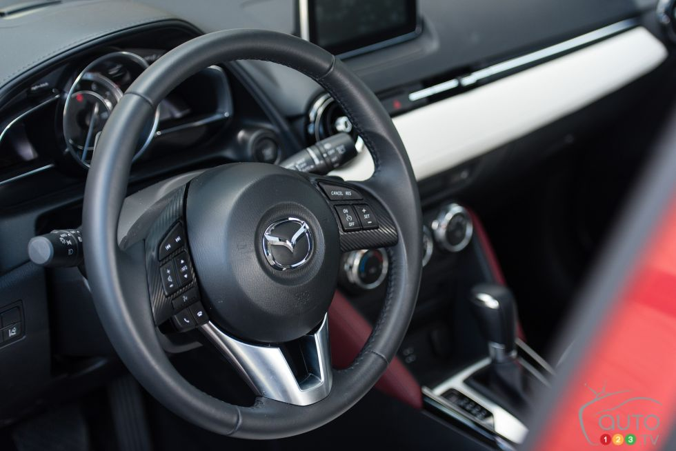 2016 Mazda CX-3 GT steering wheel