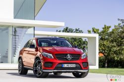 Mercedes-Benz is combining two classes of vehicle – each with its own distinct style – to make a new model, the Mercedes-Benz GLE Coupé. The sporty nature of a coupé dominates, imbued with the striking characteristics of a robust SUV.