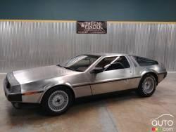 """A """"Back to the Future"""" 1981 DeLorean DMC 12 is for sale"""