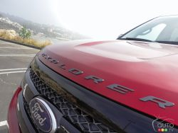A distinctive look - The Ford Explorer has the looks, the performance and, without a doubt, the fuel economy figures to worry the competition. It's a nice package and it certainly throws a curveball into the current performance SUV category.