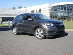 3/4 front view (Honda HR-V)