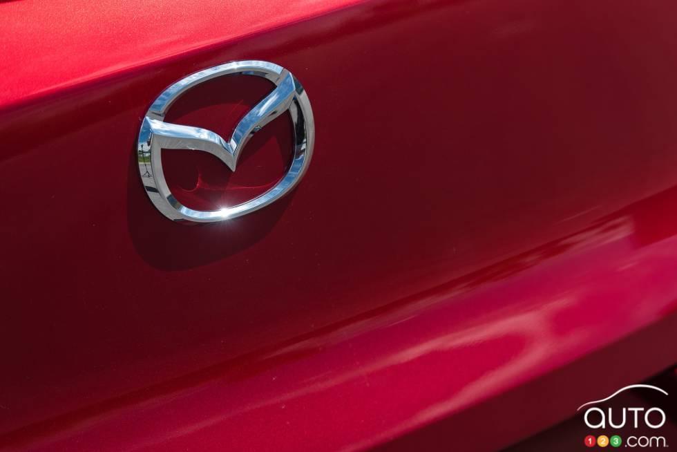 2016 Mazda CX-3 GT manufacturer badge