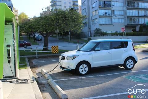 2015 Kia Soul EV Luxury pictures