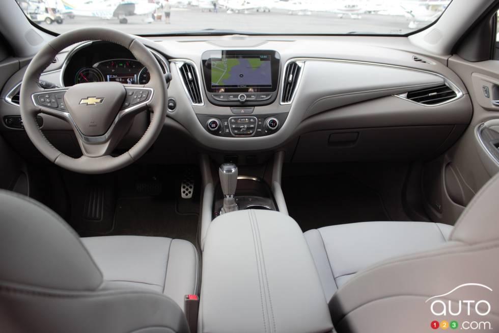 2016 Chevrolet Malibu Hybrid Dashboard