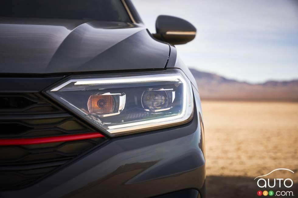 2019 Volkswagen Jetta GLI debuts at the Chicago Auto Show: Front headlight