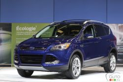 Despite posting more than respectable sales numbers in recent years, the Ford Escape was ripe for a complete makeover. Sporting the Blue Oval's new design language, the 2013 Escape has virtually nothing in common with the outgoing model.