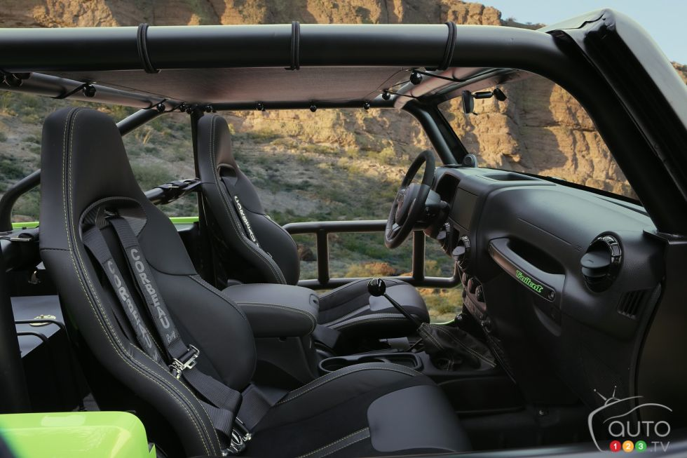 Jeep Trailcat Concept front interior compartment