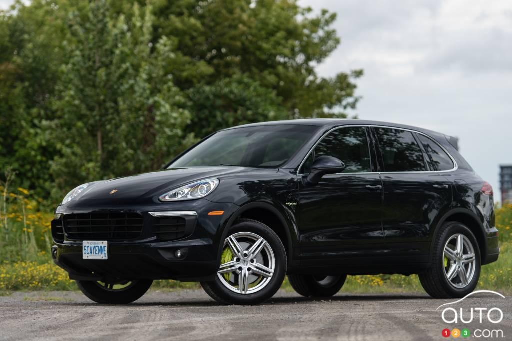 2015 porsche cayenne s e hybrid review car news auto123. Black Bedroom Furniture Sets. Home Design Ideas