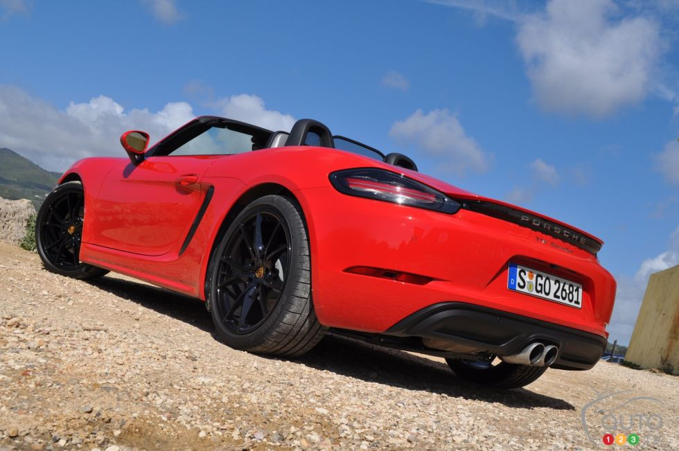 2017 Porsche 718 Boxster S rear 3/4 view