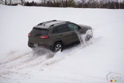 2016 Jeep Cherokee Trailhawk playing in the snow