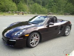 Sexy and seductive - Top up or top down, the 2013 Porsche Boxster S is an exhibitionist at heart. It wants to show off its inside and outside to willing drivers. And what a package it is!